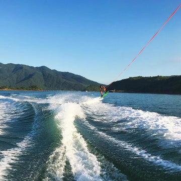 1 to 3 Hour Wakesurfing