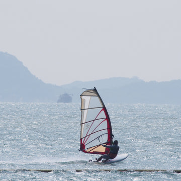 Beginner Windsurfing Lesson (Lantau)