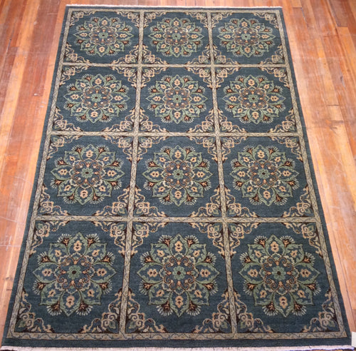 Arts and Crafts Wool Rug  9' X 6'.1