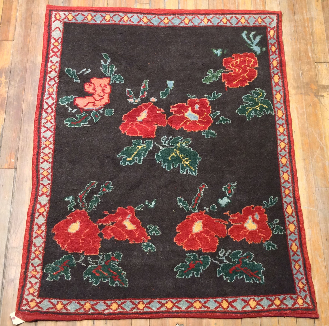 Nomadic Turkish Arts and Crafts Rug.  5'.6