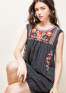 Lynn Embroider Dress
