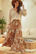 Load image into Gallery viewer, Kaitlin Floral Print Pants