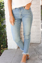 Load image into Gallery viewer, **Sierra Fray Denim