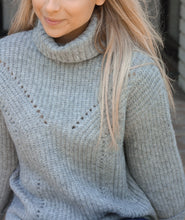 Load image into Gallery viewer, Grey Turtleneck Sweater