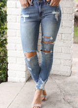 Load image into Gallery viewer, **Medium Wash Distressed Denim