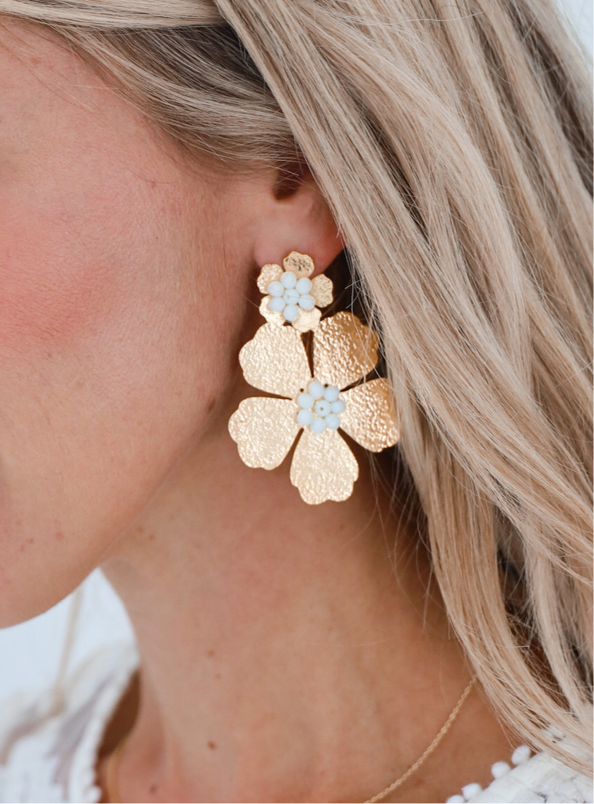 Double Daisy White Earrings