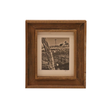 Load image into Gallery viewer, Wooden Double Frame Matte Image Fence