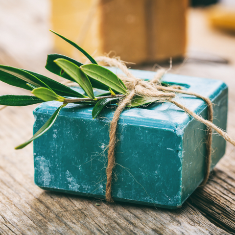 homemade natural diy soap to give as a sustainable gift