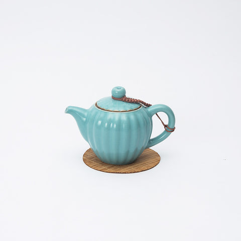 Cute and Unique Petal Shaped Ceramic Tea Pot with Strainer