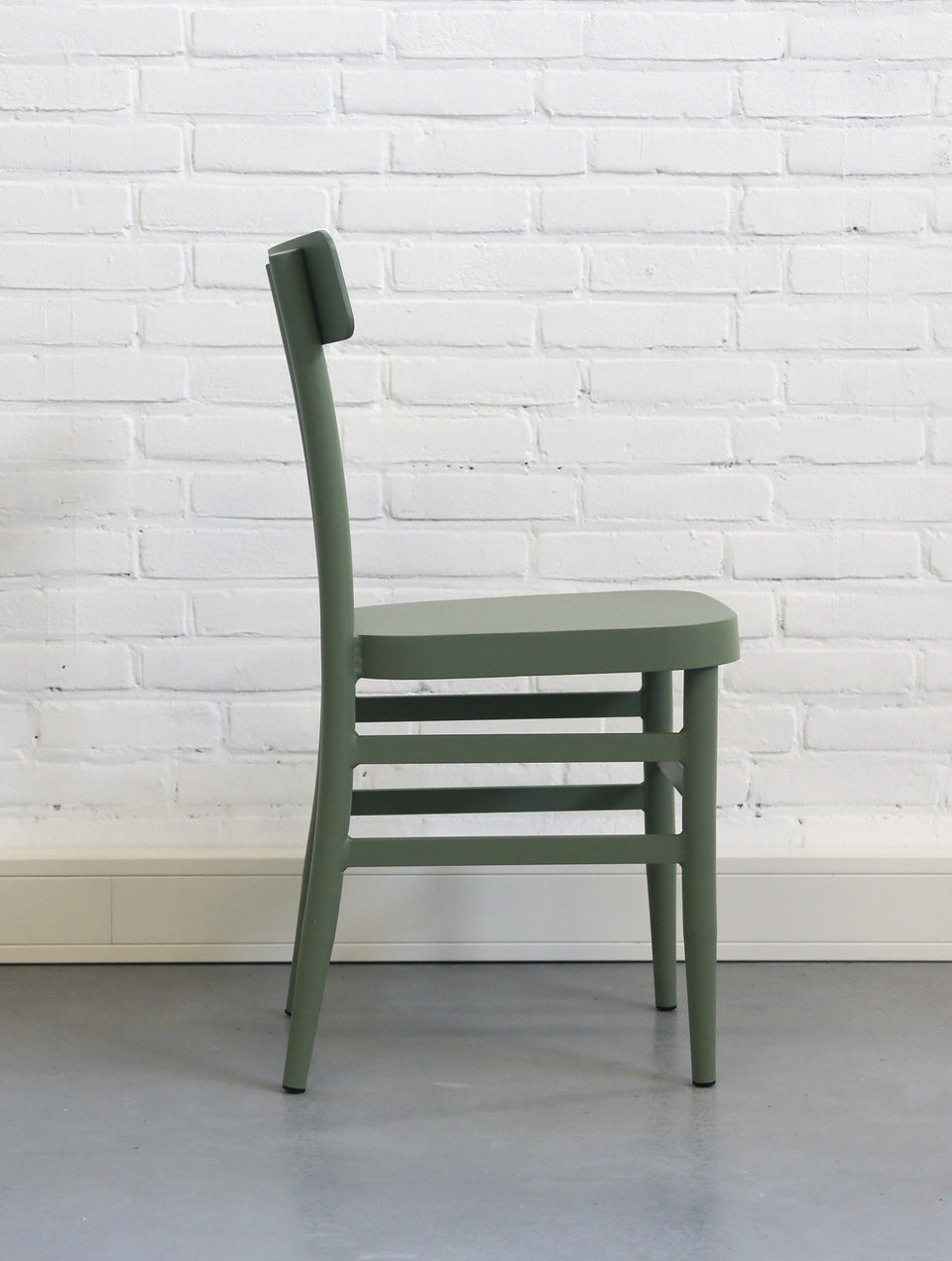 Icon III chair