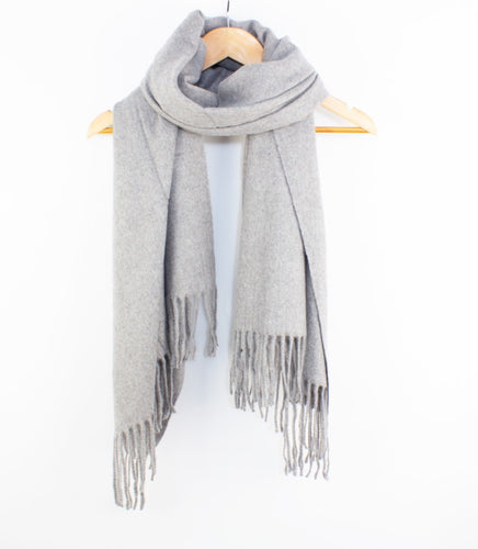 Essential Wool Scarf Grey