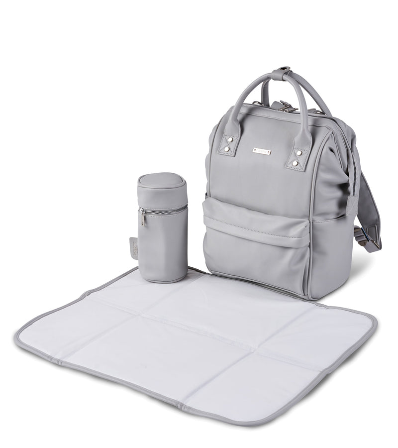 bb85-001-bababing-mani-backpack-dove-grey-changing-mat-image2