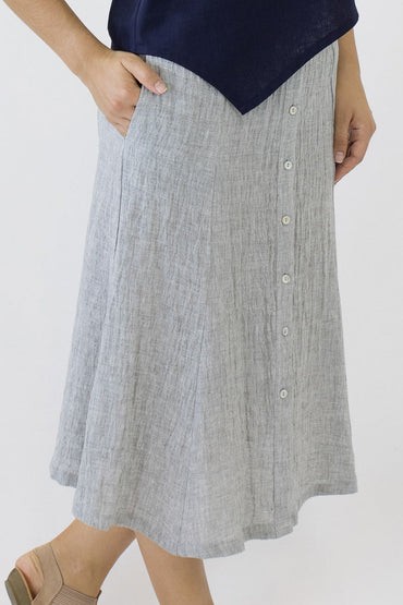 SWING SKIRT-PALE GREY-PEARL BUTTONS