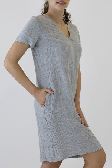 V NECK SHORT SLEEVE DRESS-side pockets