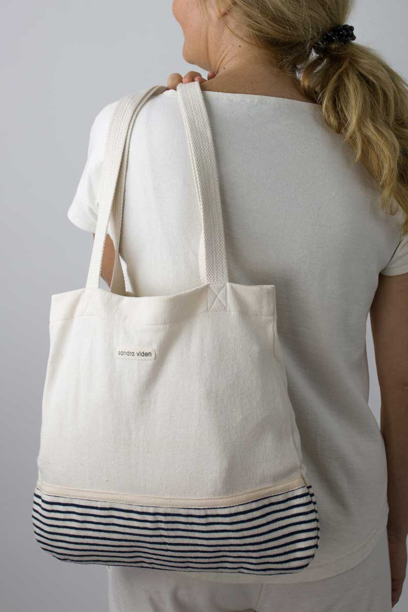 ABG-01 SHOULDER BAG
