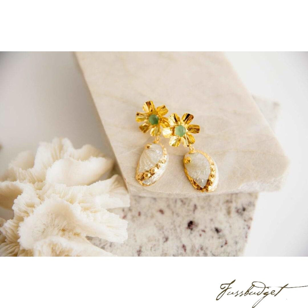 Gold edged floral shell