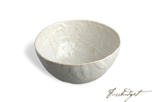 Load image into Gallery viewer, Oliveira Medium Serving Bowl