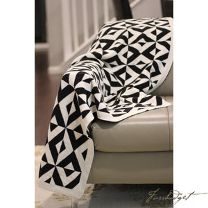 Cotton throw blanket - Reversible - Sveda Collection - Black or white-Fussbudget.com