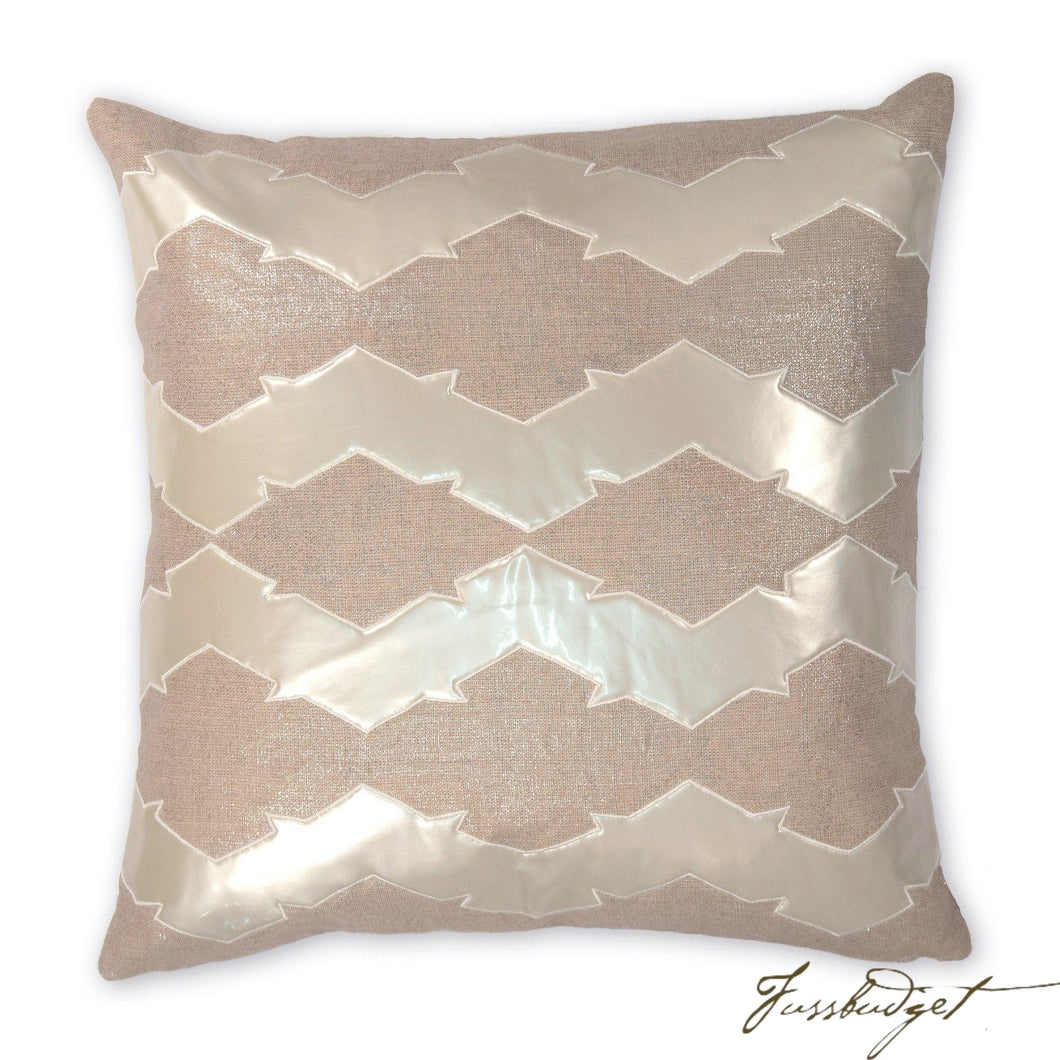 Lauren Pillow-Fussbudget.com