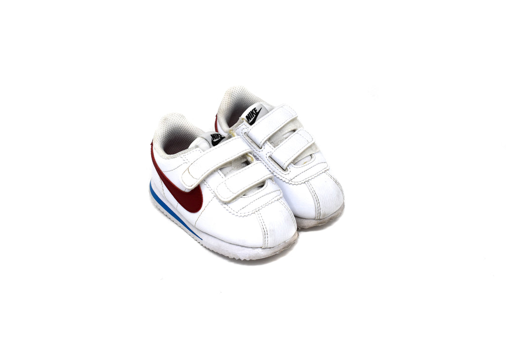 Nike, Baby Boys or Girls Trainers, Size 22