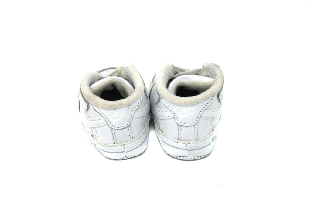 Nike, Boy/Girl Trainer, Size 17