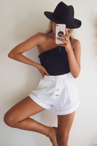 Wholesale CARLY SHORTS - WHITE N1203 - WinkGalB2B