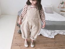 Load image into Gallery viewer, Oversized Corduroy Dungarees