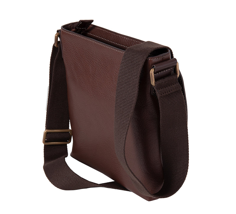 The Lucca Mens Leather Shoulder Bag from Rydal in 'Dark Brown' showing rear.