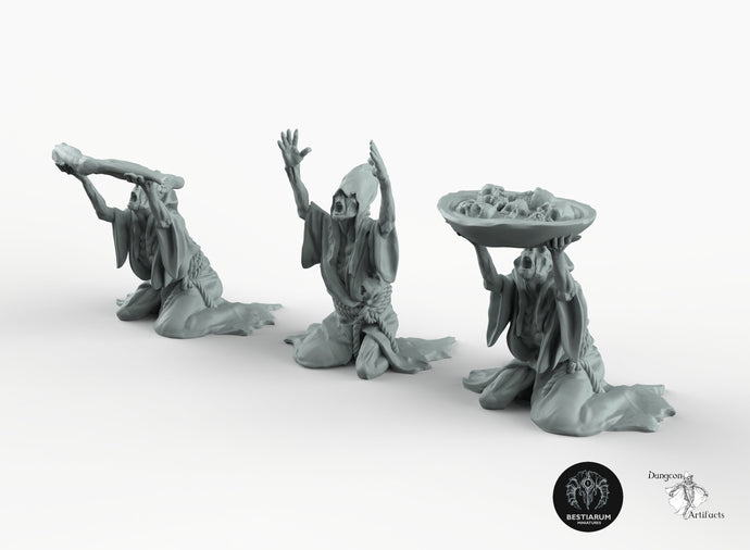Cultists with Offerings - Bestiarum Miniatures Wargaming Tabletop Games Horror D&D DnD Pathfinder SW Legion Warhammer