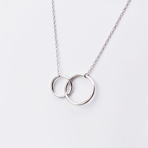 Double Interlocking Circles Short Necklace
