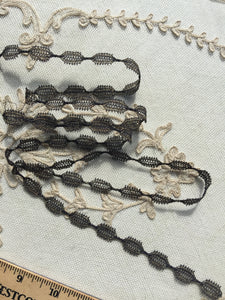 Gold Metal Turtle Braid Antique Lace