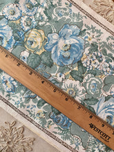 Load image into Gallery viewer, Antique Linen/Blend Block Printed Fabric