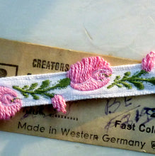 Load image into Gallery viewer, Woven Rose Bud Trim