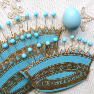 Crown Holder With Pins - French