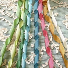 Load image into Gallery viewer, Antique Petite Grosgrain Ribbon