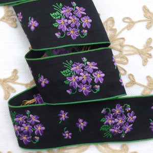 French Bouquet of Violets Ribbon With Gold Tinsel