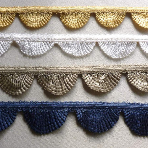 Vintage Scalloped Border Trim