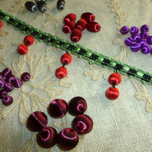 Load image into Gallery viewer, Vintage Silky Floss covered Beads