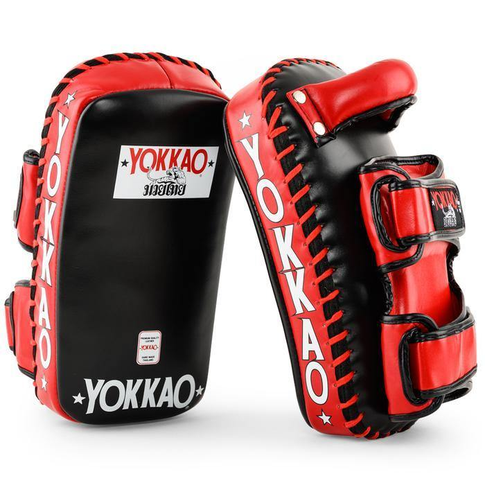 Curved kicking pads - mmafightshop.ae