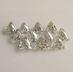 0.49 Ct 11 Pcs Triangle Shape Natural Loose Diamond, G/H Color SI clarity 2.21 mm to 2.61 mm White Natural Diamond SJ39/40 - Amba Jewel