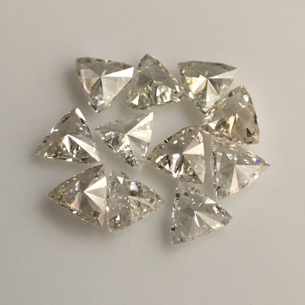 0.58 Ct 11 Pcs Triangle Shape Natural Loose Diamond, 2.54 mm to 2.75 mm G/H Color SI clarity White Natural Diamond SJ39/42 - Amba Jewel