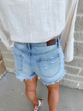 Load image into Gallery viewer, PERFECT HIGHWAISTED DENIM DISTRESSED SHORTS- LIGHTWASH