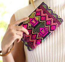 Load image into Gallery viewer, FESTIVAL CLUTCH WRISTLET