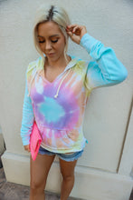 Load image into Gallery viewer, KALEIDOSCOPE TIE DYE POCKETED HOODIE