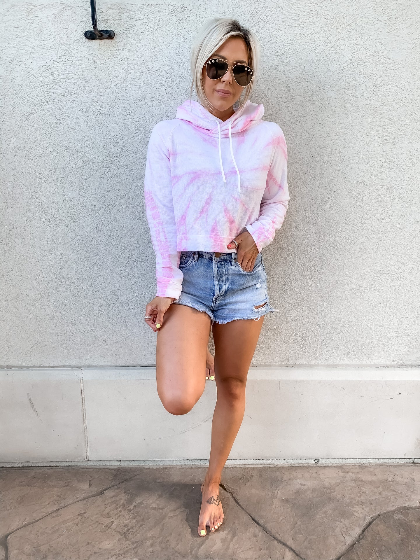 STRAWBERRY DREAMS TIE DYE LOUNGE HOODIE