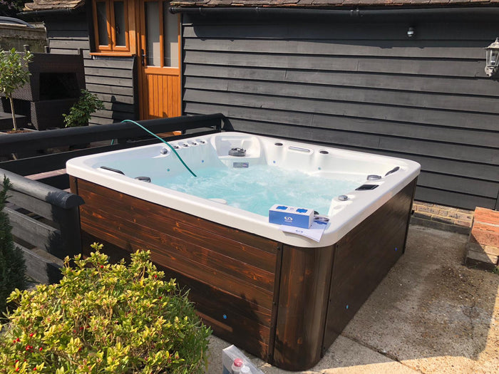 Bespoke Hot Tubs for Virtually Any Garden Size