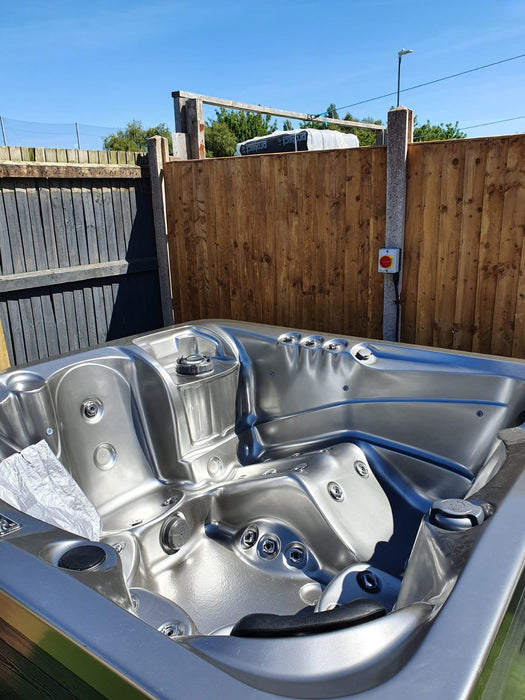 Could A Custom-Built Hot Tub Be the Right Solution for Your Home