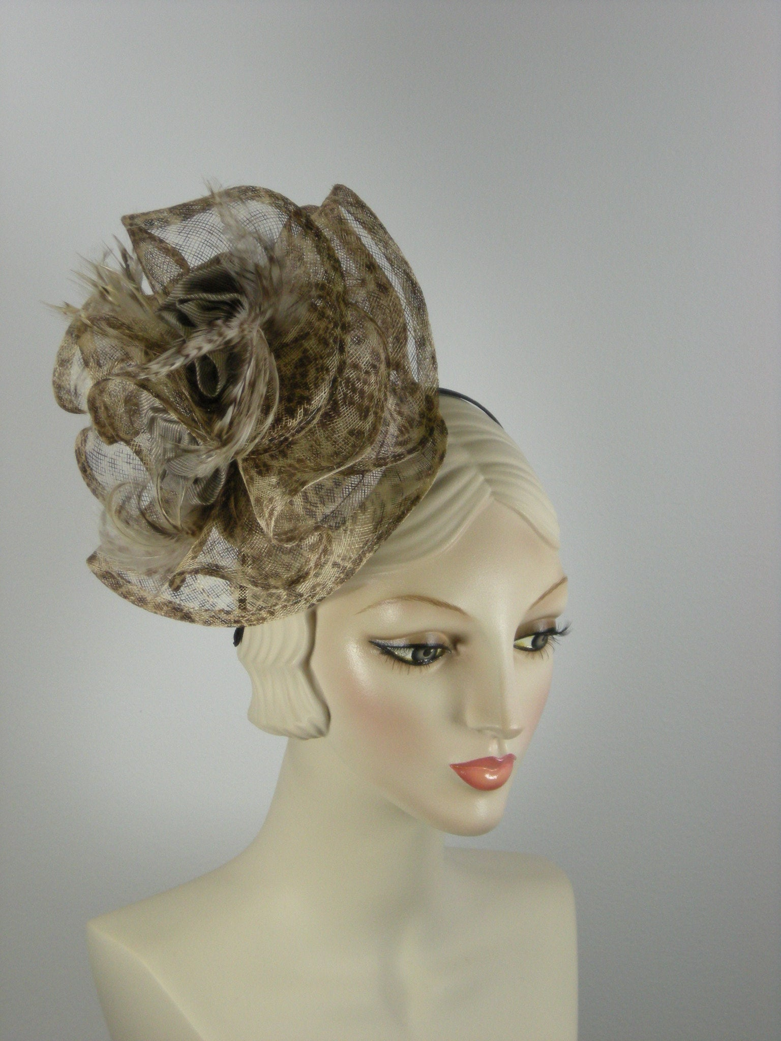 Brown and tan abstract sinamay straw fascinator hat