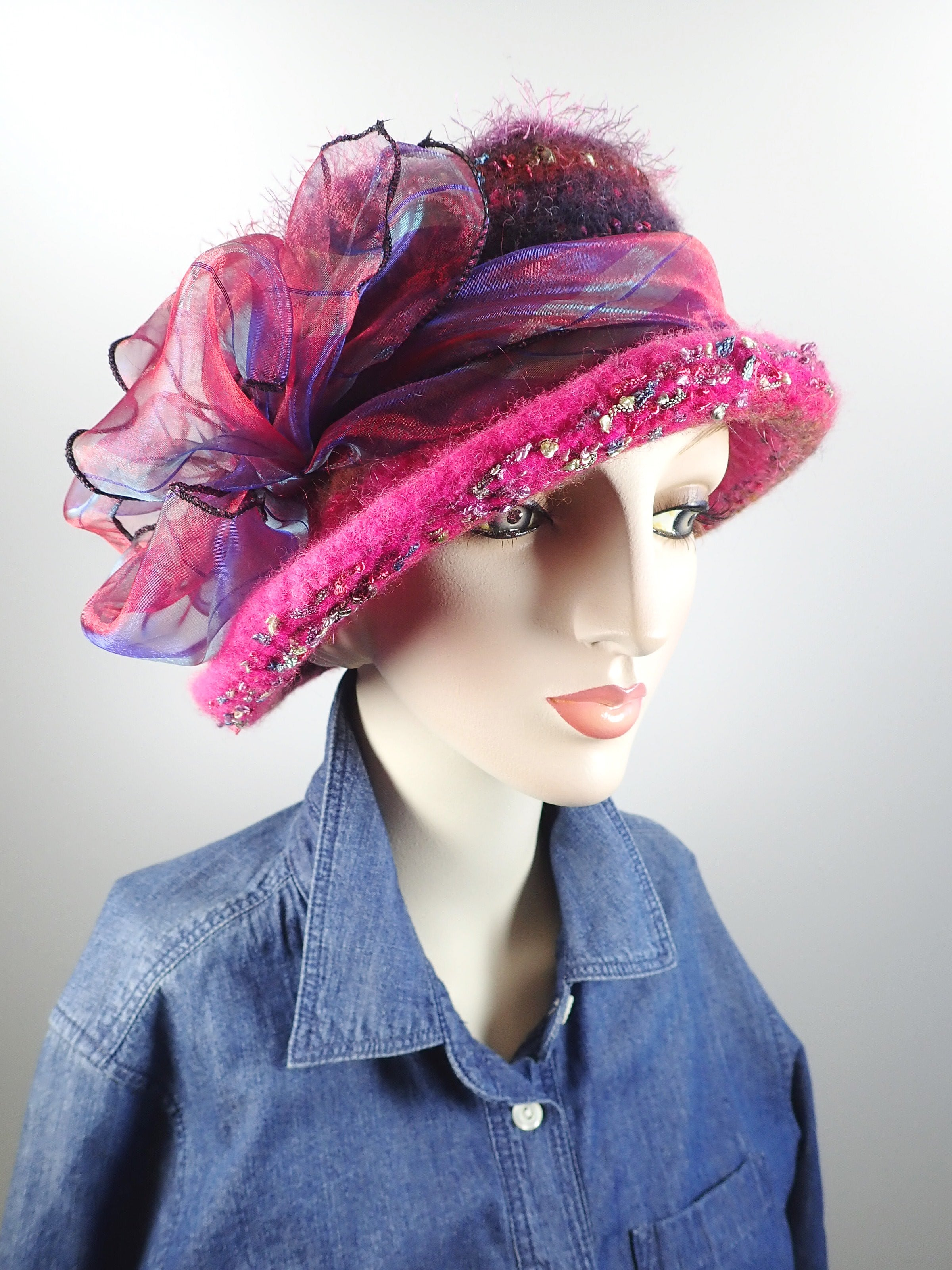 Pink boiled wool felt knitted hat. flapper style hat