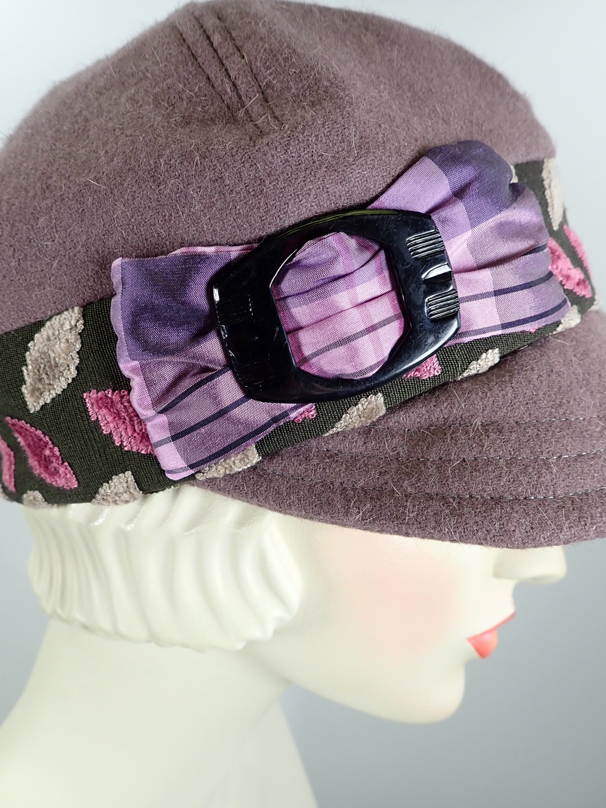 Women's Fall and Winter Mauve Dusty Purple Wool Baseball Style Newsboy Cap